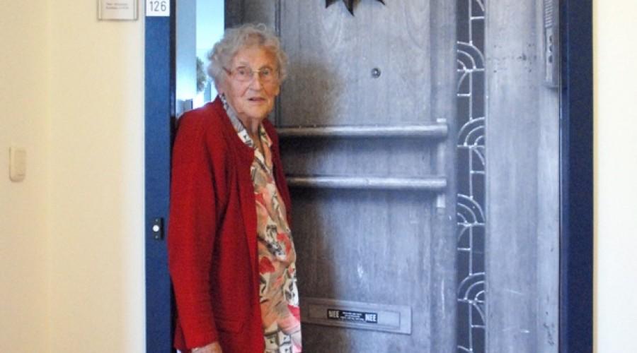Persoonlijke deursticker helpt ouderen
